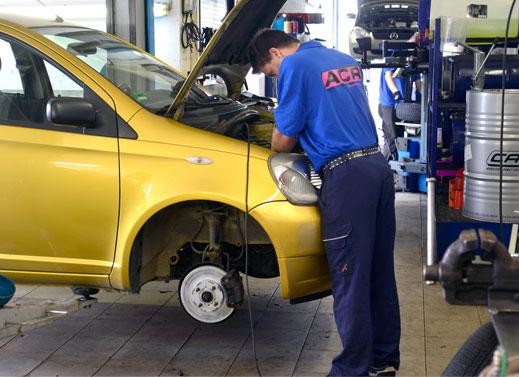 Bei ACR Autoteile GmbH bekommen Sie eine Inspektionen mit Original Marken Ersatzteilen